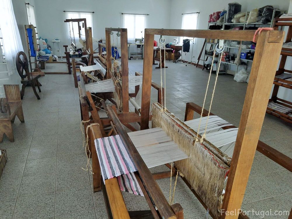 looms Handicraft Cooperative of Santa Maria (Photo: Diane Fontes/FeelPortugal.com)