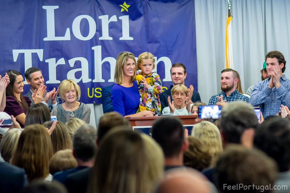 Lori Loureiro Trahan election night celebration, Lowell, MA (Photo Feligenio Medeiros - Feel Portugal.com)