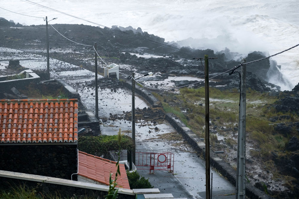 "Marine unrest caused by hurricane ""Lorenzo"" in Serretinha, municipality of Angra do Heroísmo, Terceira, Azores, 2 October 2019. Photo: ANTÓNIO ARAÚJO/LUSA"